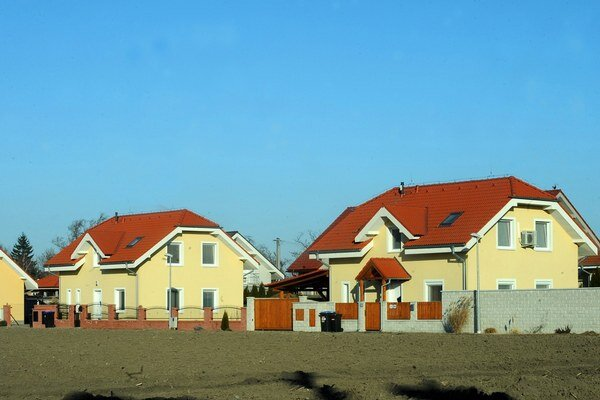 Bývanie v Rožňave. Od nového roka daň za domy ibyty mierne stúpla.