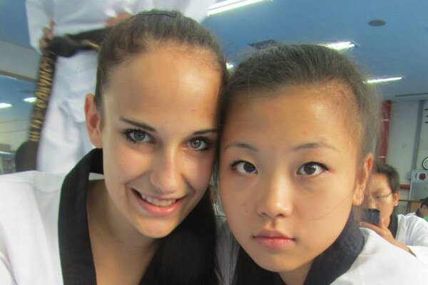 Nové priateľstvá. V Kórei R. Lebovská stretla nových priateľov, medzi nimi aj V. Kim z Ruska.