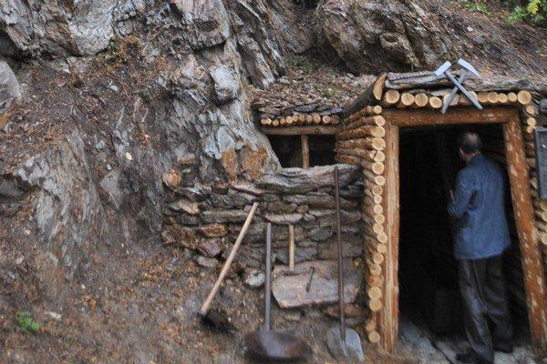 Banícka história. Na tú sú v Čučme hrdí a snažia sa o jej zachovanie.
