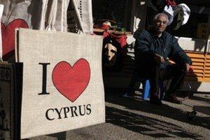 Cyprus bude podľa Bruselu rásť o dva roky. No taký optimistický bol aj pri Grécku.