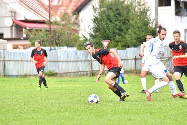 Gól aj vylúčenie. Jerguš Barnák z Dobšinej dal gól, no videl aj červenú kartu. Oboje v derby s Gemerskou Polomou.