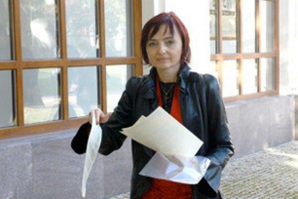 Katarína Macháčková povie meno svojho zástupcu na ustanovujúcom rokovaní zastupiteľstva.