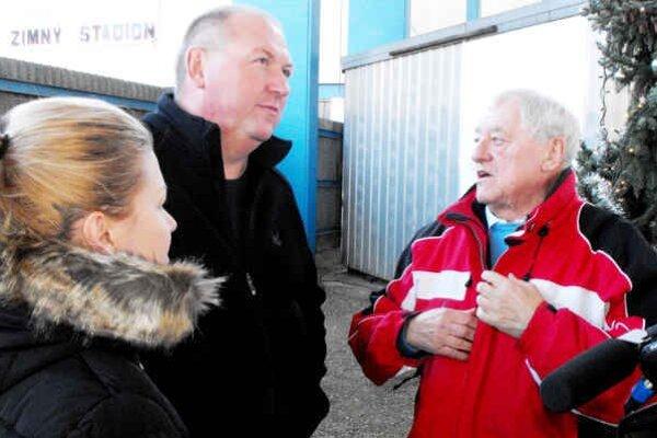Podujatie podporil aj J. Golonka. Na snímke spolu s primátorom Rožňavy P. Burdigom.