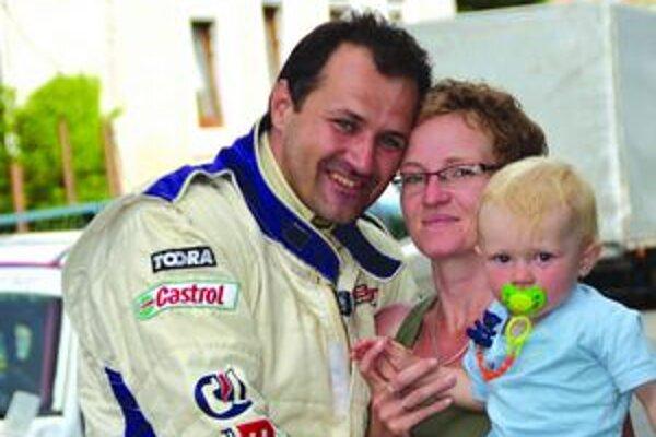 Rastislav Ivanko má podporu  svojej manželky Zuzany, ktorá ho aj s ich synom sprevádzala na Dobšinskom kopci.
