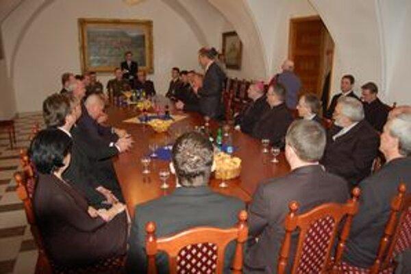 Gašparovič a Laciak. Prezident včera pricestoval na oficiálnu návštevu Rožňavy.