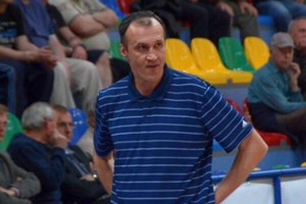 Tréner MBK Región Rožňava Jozef Lovík.