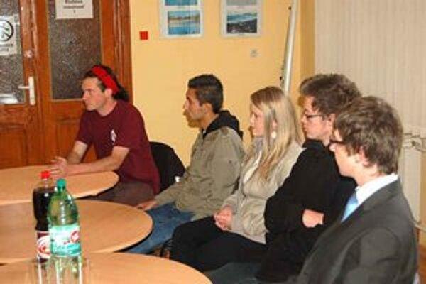 V Klube mladých v Rožňave. Prešovčania si prišli nabrať inšpiráciu pre fungovanie klubov pre mladých.