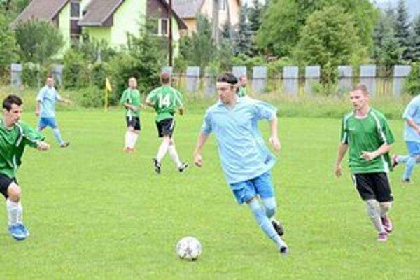 Šesť gólov dal Ján Čižmár súperovi z Dediniek.