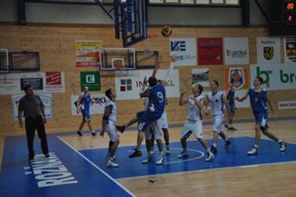 V nadstavbe budú hrať rožňavskí basketbalisti v skupine o udržanie.