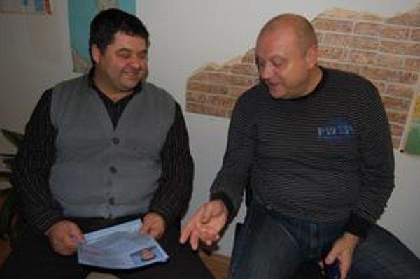 S autorom kampane. Gejzovi Milkovi pripravil predvolebnú kampaň dlhoročný člen ĽS-HZDS Mikuláš Cmorík (vpravo).