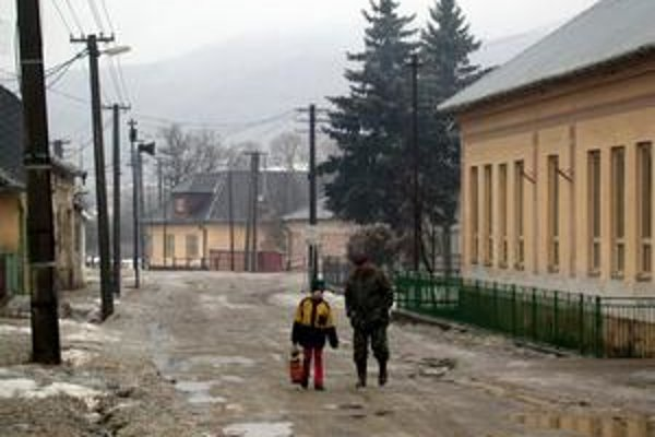Kameňany. Na dodržiavanie poriadku a bezpečnosti musí v dedine dozerať obecná stráž.