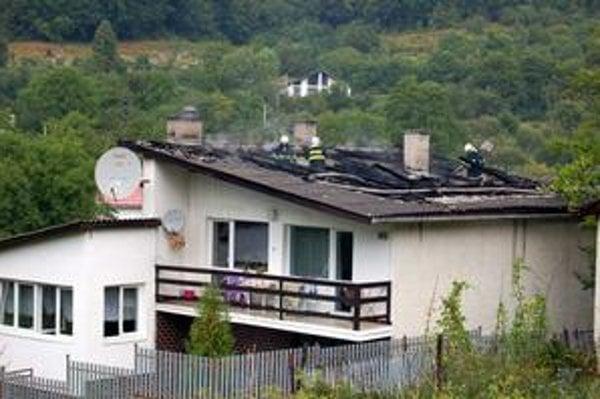 Odborníci radia namontovať si na každý objekt bleskozvod, lebo ten susedov vás ochrániť vôbec nemusí.