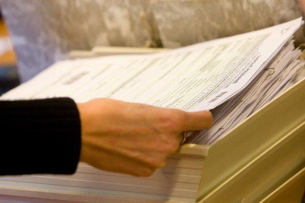 Účinnosť zákona o povinnej elektronickej komunikácii s daňovými úradmi sa pre nepripravenosť daniarov posúvala  už trikrát.
