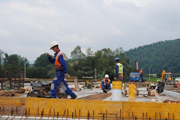 Stavba obchvatu finišuje. Otvoriť ho chcú v režime predčasného užívania 25. augusta.