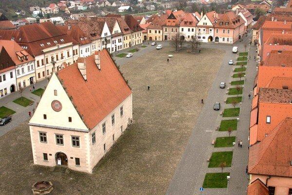 Bardejovské námestie. Patrí k jedným z najkrajších na Slovensku.
