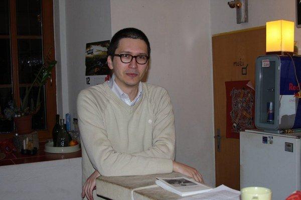 Martin Šoth so svojou novou knihou.