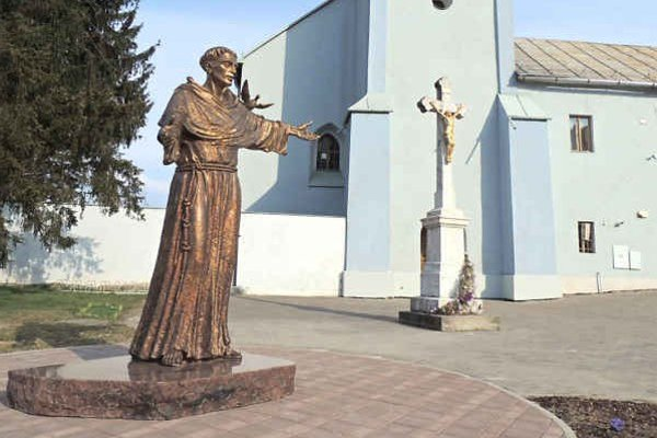 Socha svätého Františka Assiského. Požehnajú ju v nedeľu.