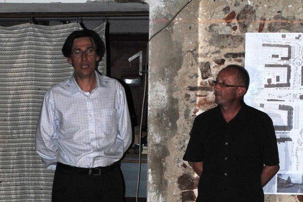 Organizátori. M. Olejár a J. Jarina.
