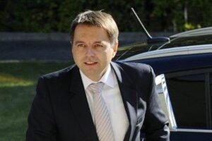 Minister financií Peter Kažimír je rád, že predstaví rozpočet, ktorý aspoň akým-takým spôsobom napĺňa zákonné nároky jednotlivých rezortov.