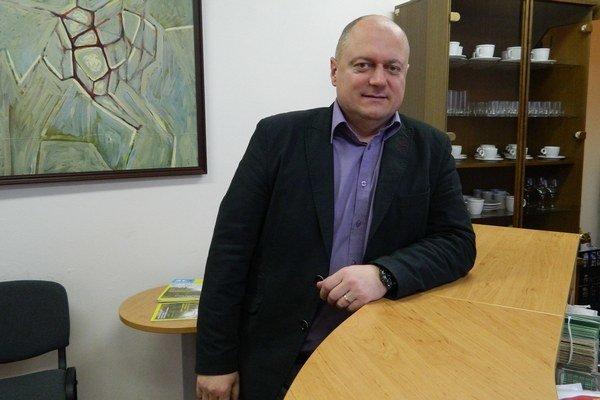 Prednosta Giraltoviec. S Jánom Čabalom si na úrade vymenili stoličky.
