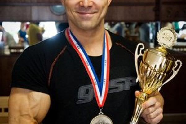 Pred rokom získal v Sofii zlato na majstrovstvách Európy, teraz obstál na rovnakom mieste v svetovej konkurencii.