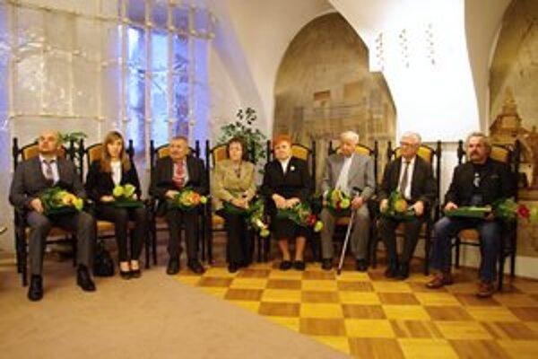 Ocenení: F. Harčarík, M. Bujdová, J. Jevík, J. Nagajova, K. Pichaničová, M. Roháľ, J. Šamudovský, P. Zajac.