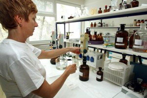Laboratórne testy potvrdili prasaciu chrípku u sedemročného chlapca z okresu Bardejov. ďalší prípad skúmajú v okrese Vranov.