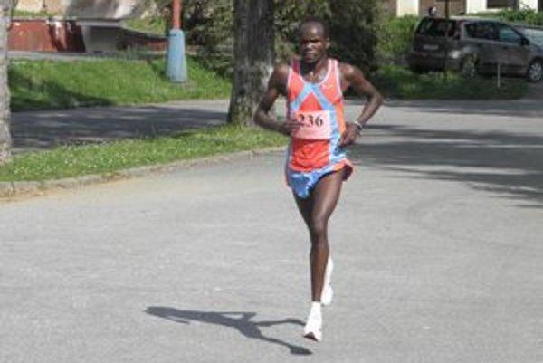 Víťaz Henry Kemboi z Kene.