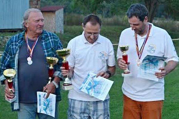 Najlepší v súťaži Rodeo 2. Zľava L. Učnay, A. Csontos a Š. Csontos.