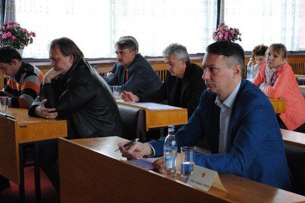 Medzilaborskí poslanci diskutovali o tom, prečo mesto prišlo o 180 hektárov lesa.