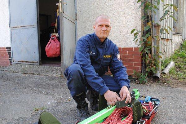 Jozef Rumňák ml. Pochádza z trojgeneračnej rodiny hasičov.
