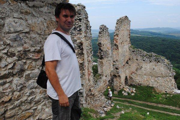 Stanislav Macinský na Brekovskom hrade.