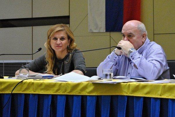 Primátorka Jana Vaľová tvrdí, že prioritou je zachovať hokejovú mládež.