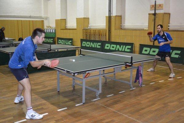 Víťaz mužskej dvojhry. Maroš Gajdoš si vo finále poradil so Štúňom 3:2 na sety.
