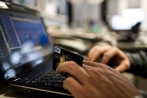 Väčšina ľudí o poplatkoch za zrušenie trvalého príkazu, inkasa alebo platobnej karty nič nevie a ak áno, riešia ich len v pobočke. Zadarmo alebo aspoň lacnejšie je to cez internet banking.