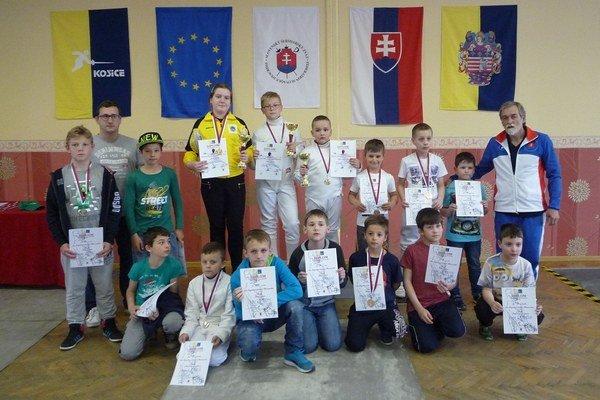 Najmladším sninským šermiarom sa darilo. Tri zlaté, dve strieborné atri bronzové medaily.