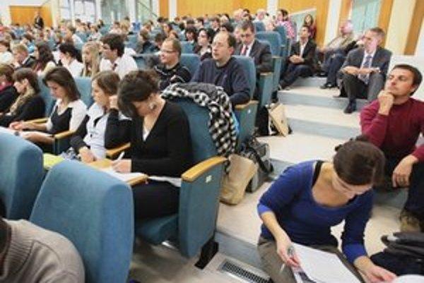 Najviac prihlášok od slovenských záujemcov dostáva Masarykova univerzita v Brne.