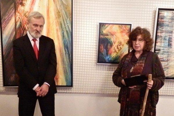 Peter Krupa a Mária Mišková. Autora s Humenným spájajú profesijné i priateľské väzby.