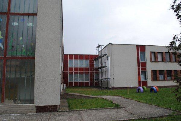 Materská škola Štefánikova. Prebiehajú na nej rekonštrukčné práce.
