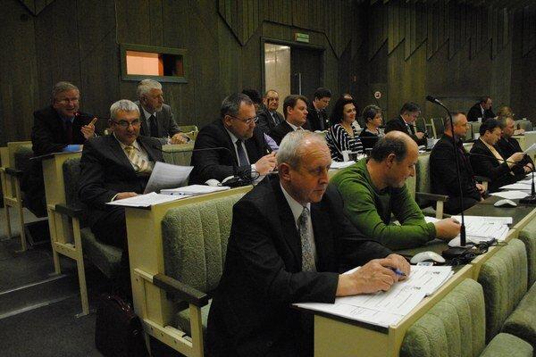 Humenskí poslanci schválili dotácie pre mládežníckych športovcov.