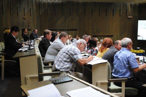 Poslanci rokovali aj o investičných zámeroch mesta.