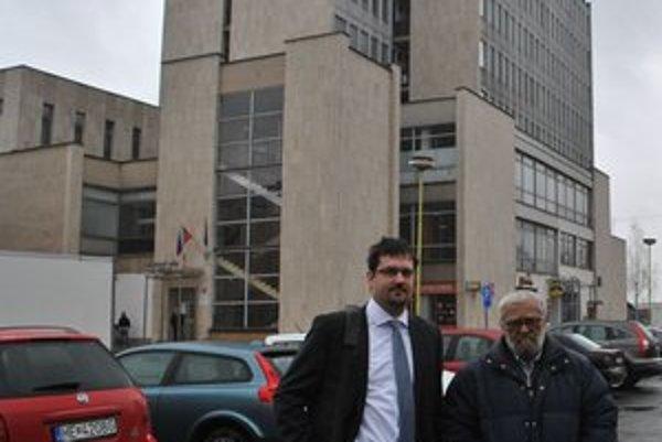 Čiastočne uspel. Podnikateľovi Jozefovi Jančokovi (vpravo) uznal súd nárok na časť zo žiadanej sumy.