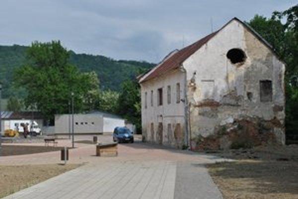 Budúcnosť. Brankár Mucha by tu chcel reštauráciu a aj ubytovacie priestory, správca múzea dielne, administratívnu časť a hlavne depozitár.