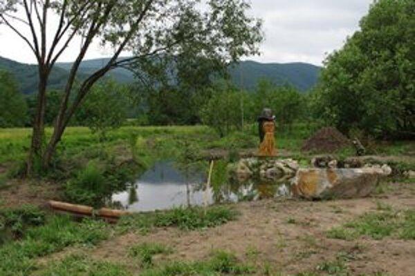 Nový areál v Uliči. Vznikol blízko rybníka na mieste, kde sa tvorili divoké skládky.