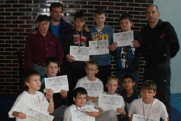 ZK Slávia Snina. Najmladší voľnoštýliari už majú aj medailové úspechy.