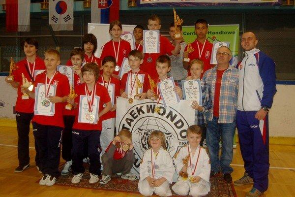 """Black Tiger Snina. Poľský """"Puchar Arcusa"""" s výsledným druhým miestom družstva."""