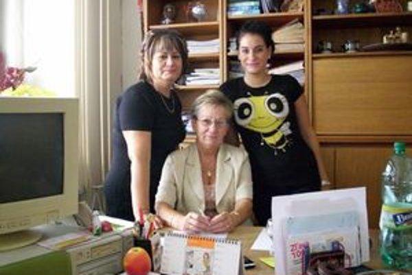 Najväčšia pýcha – rodina. Na snímke s dcérou Svetlanou (vľavo) a vnučkou Jankou.