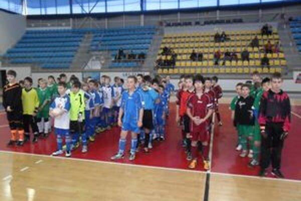 Nádej cup 2012. Vydarený, kvalitný, za účasti piatich tímov.