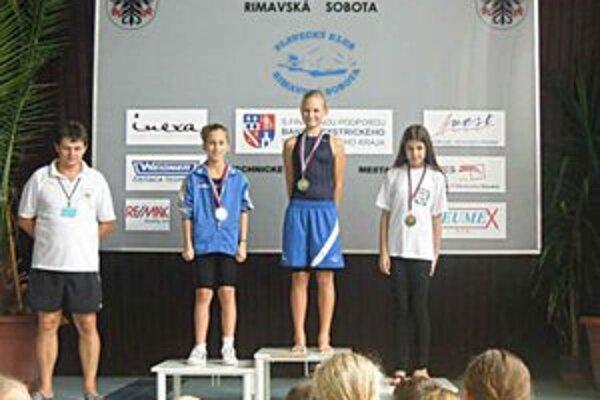 Trikrát strieborná. Daniela Gribaničová (vľavo) získala tri prsiarske striebra. V tomto prípade na 100-metrovej trati.