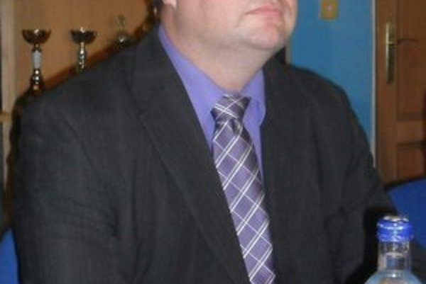 Ing. Ladislav Kovalsky zastrešuje už aj humenský hokej.